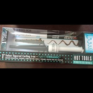 "Hot Tools 1"" taper iron - NIB"